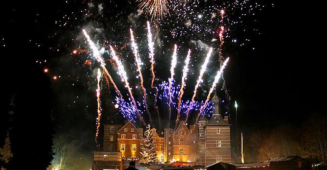 Weihnachtsmarkt Schloss Merode.Romantischer Weihnachtsmarkt Schloss Merode Schloss Merode